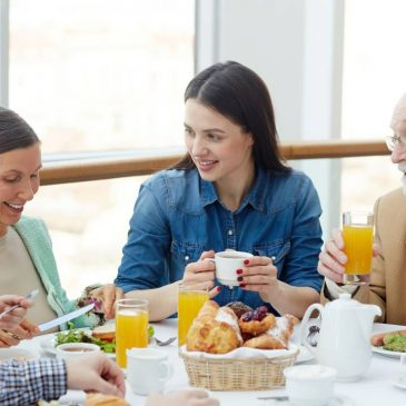 5 Tips For Hearing Clearly On the Dinner Table